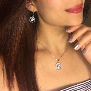 Jewelry - Beautiful silver necklace & earrings set
